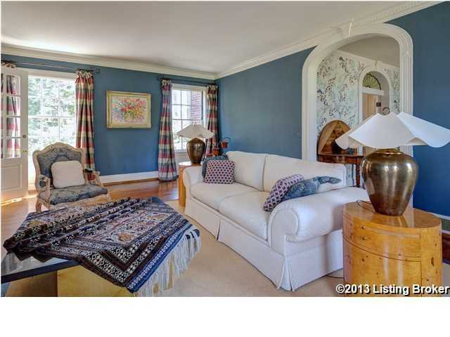 The decor shows a blend of antique, pastoral, and modern influences.