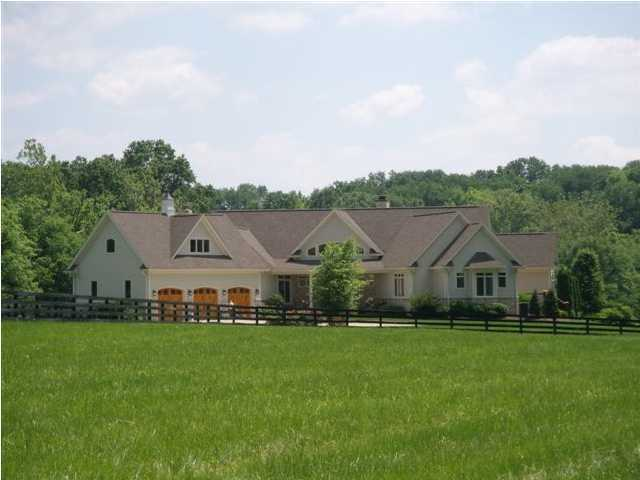 15 acres of prime bluegrass property in La Grange. Kentucky, featured on Realtor.com