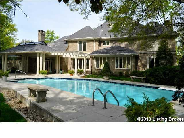 Covered cabana and large pool, perfect for outdoor entertaining in the summer.