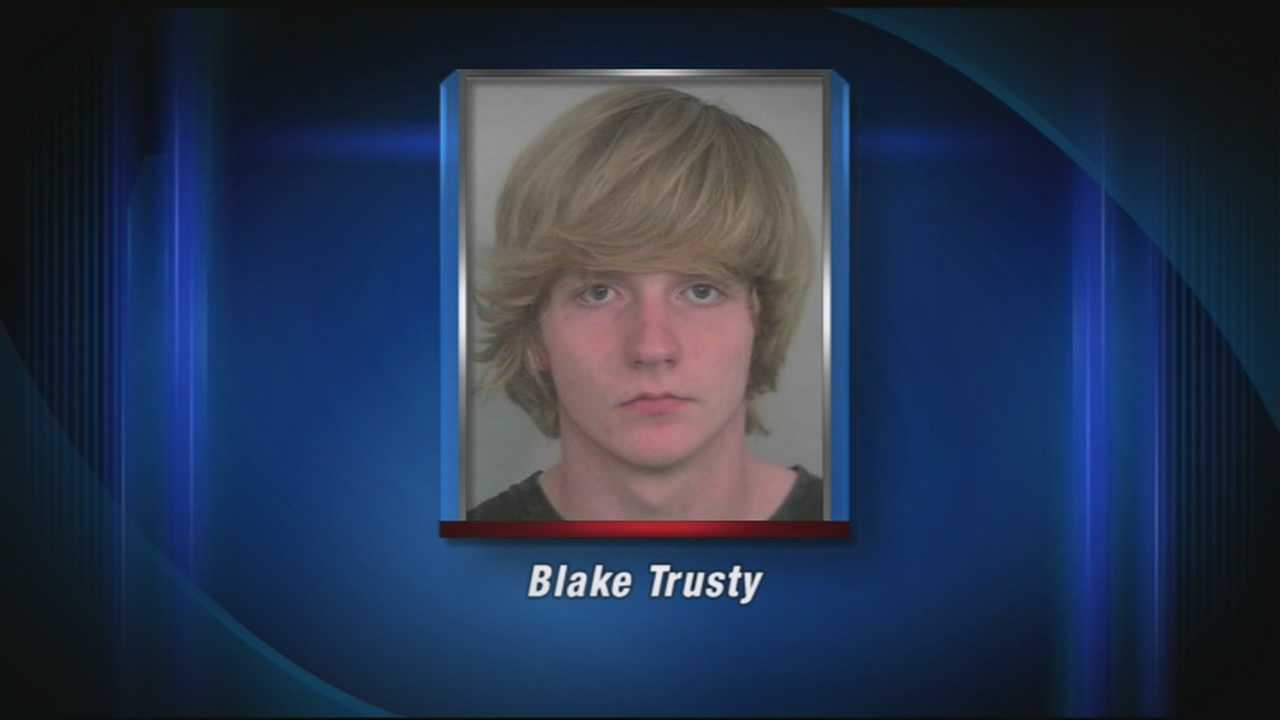 A New Albany High School senior has been accused of soliciting young teens for sex on Facebook.