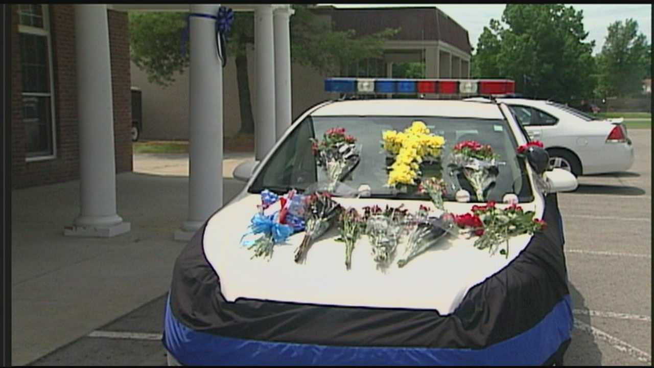 As funeral arrangements are made for Officer Jason Ellis, Kentucky State Police and other agencies are working around the clock to find his killer.