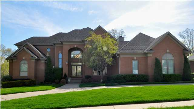 Tour this 5 bedroom, 5 bathroom home listed on Realtor.com for just under $1million.