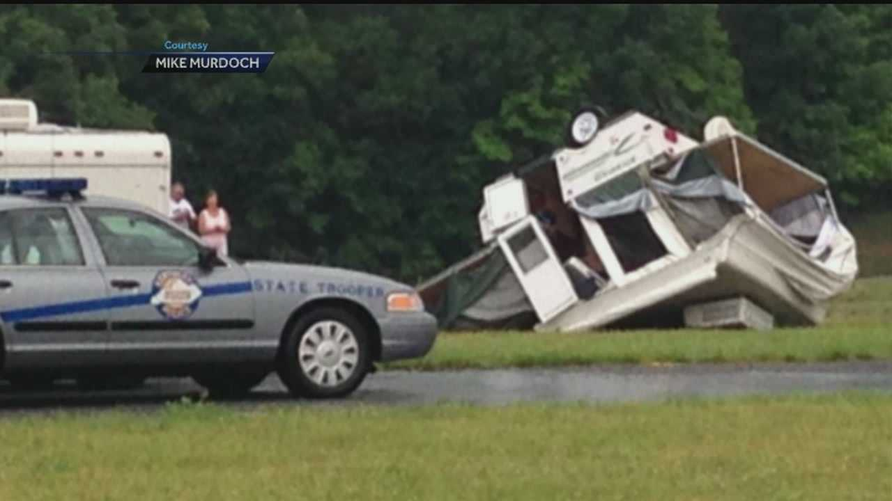 Storms moved through the WLKY area Wednesday night, leaving damage.
