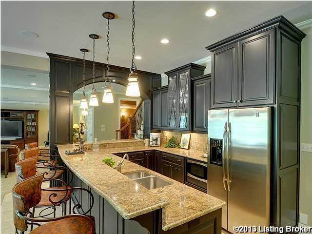 Close up of the kitchen/wet bar.