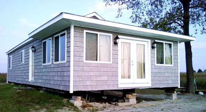 It has a beautiful private cottage perfectly situated on the St. Clair Flats. The cottage has great amenities.