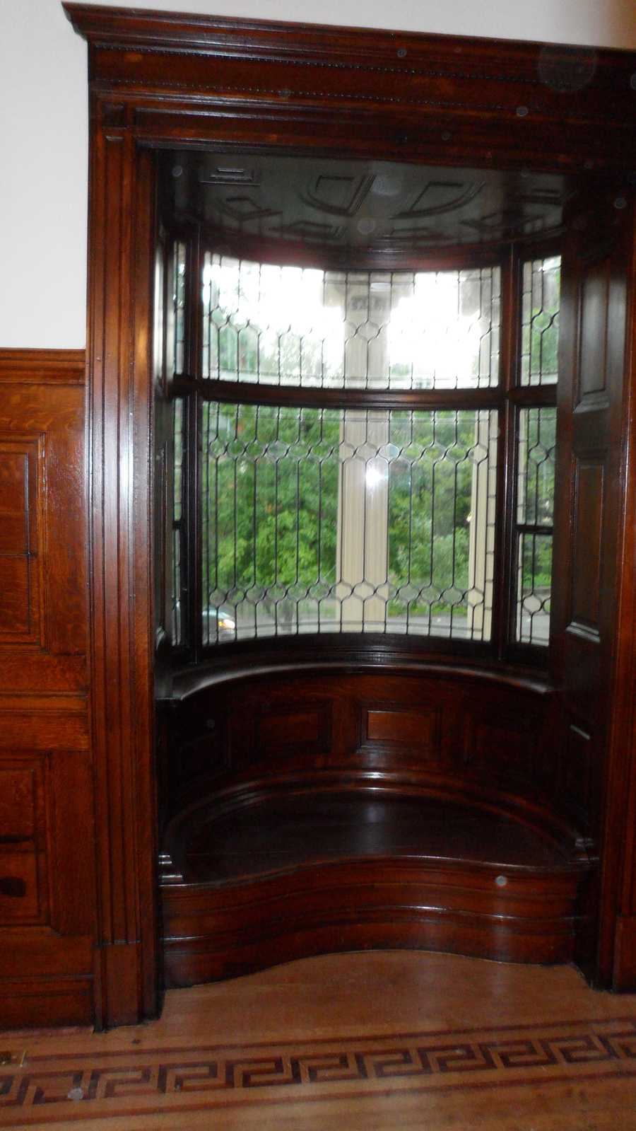 Entry bay window after