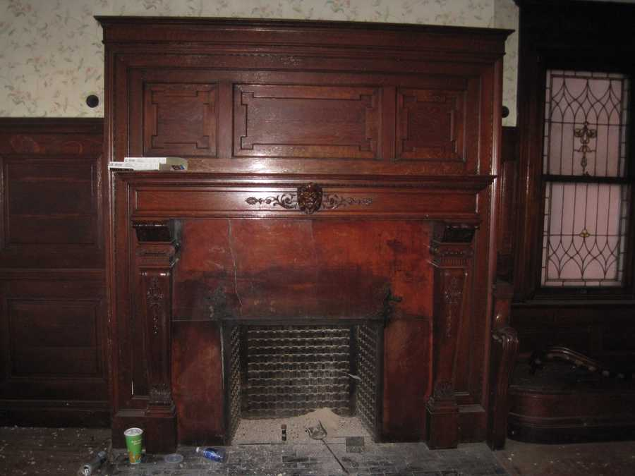 Entry fireplace before