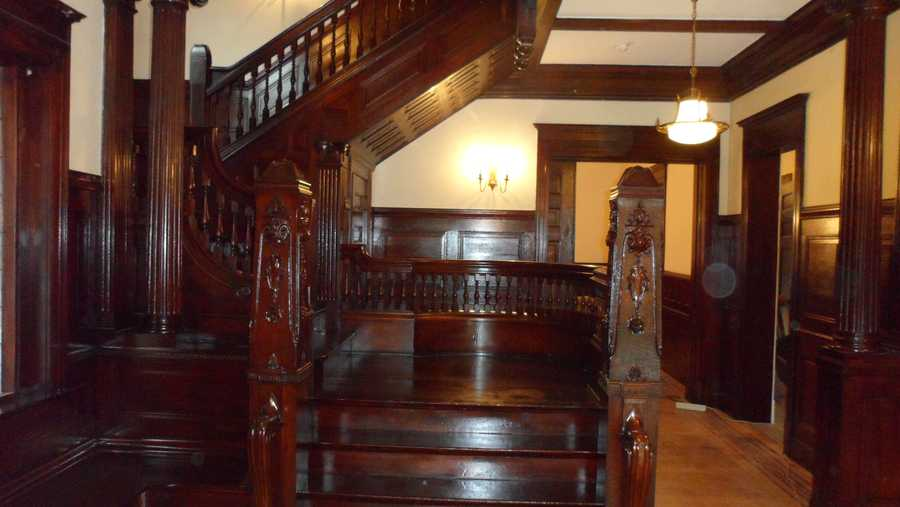 Entry staircase after