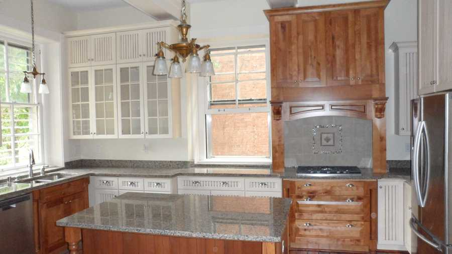Kitchen after (only the old light fixtures remain)