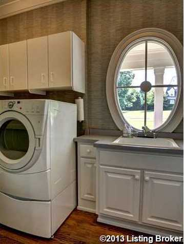 Full-service laundry room for all your needs.