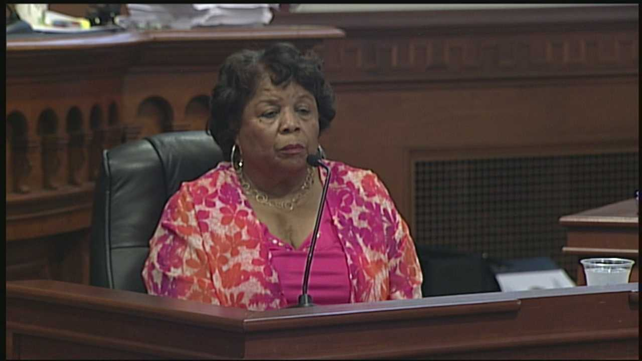 Questioning continues in metro councilwoman's ethics trial