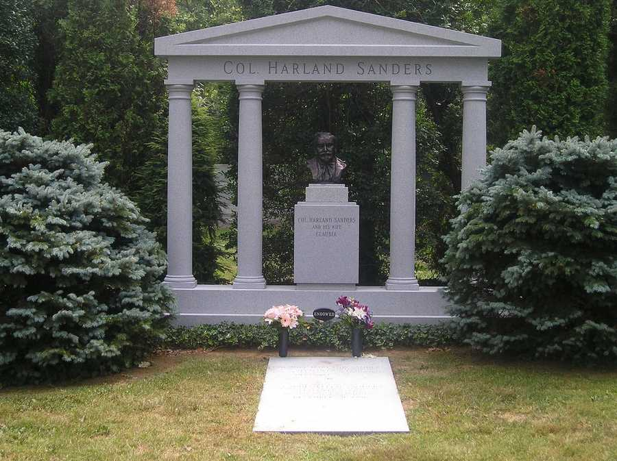 Pay a visit to Colonel Sanders' Grave: Everyone knows him for his famous Kentucky Fried chickenLocation: 701 Baxter Ave, Louisville, KY 40204
