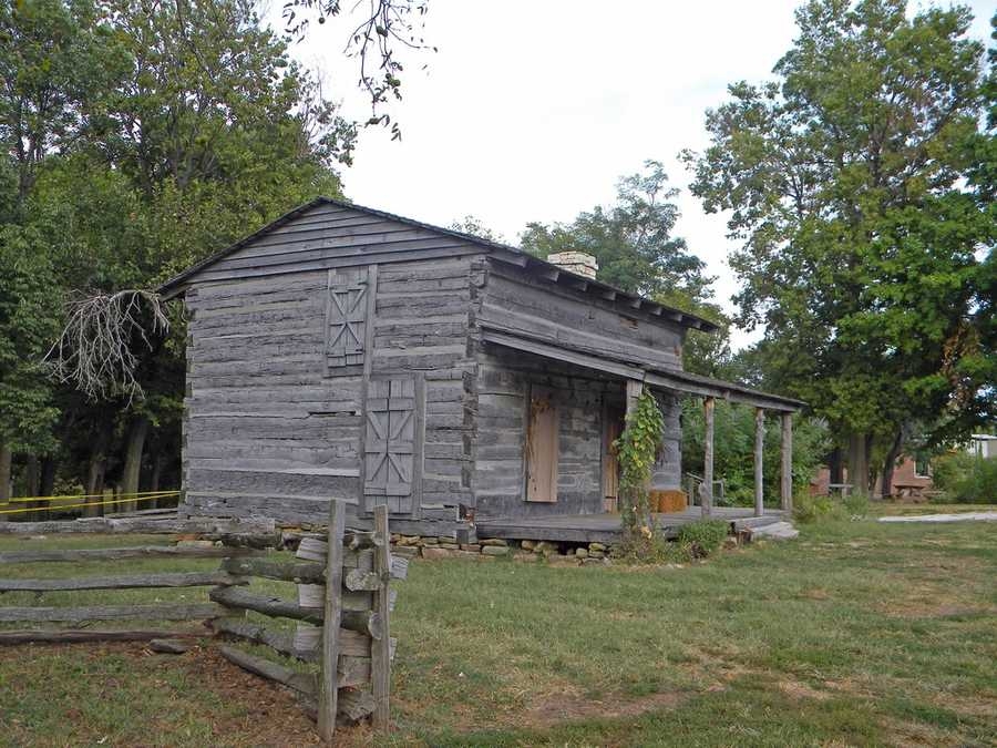 Make sure to stop by George Rogers Clark Home: George Rogers Clark was an officer during the revolutionary war and good friends with Thomas Jefferson. He made a big impact on the Louisville area because he started trade along the Ohio River.Location: 561 Blankenbaker Ln, Louisville, Ky