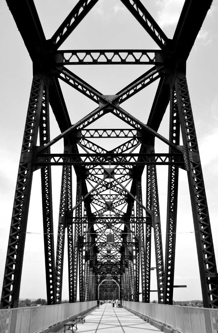 Walk across the Ohio River: Spanning a total of 1.42 miles, from Kentucky to Indiana, the newly renovated walking bridge has been a big hit among thousands of pedestrians and athletes.Location: The Big Four Bridge, Louisville, KY 40206