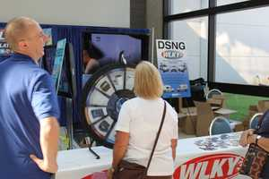 WLKY anchors and meteorologists meet and greet fans -- and give away prizes! -- at the Kentucky State Fair.