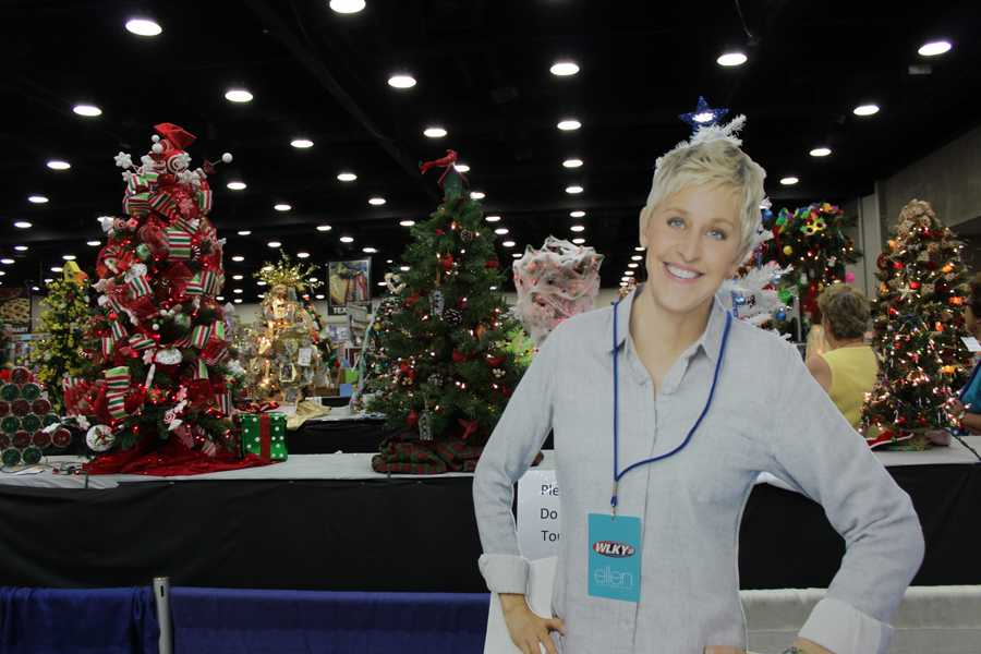It's only August, but Ellen's already getting ideas on how to decorate for the holidays thanks to these well-designed trees.