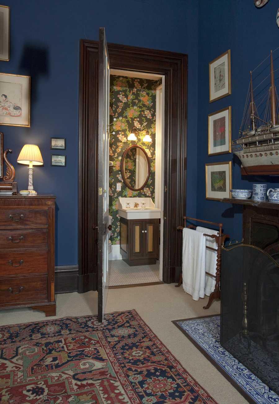Second Floor, Guest Suite Bathroom