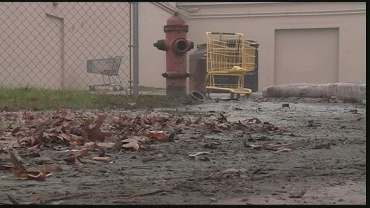 A fire hydrant malfunctioned during an apartment fire.