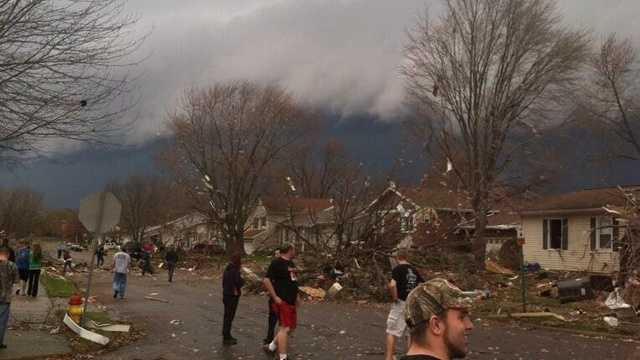 Pekin Illinois damage Twitter