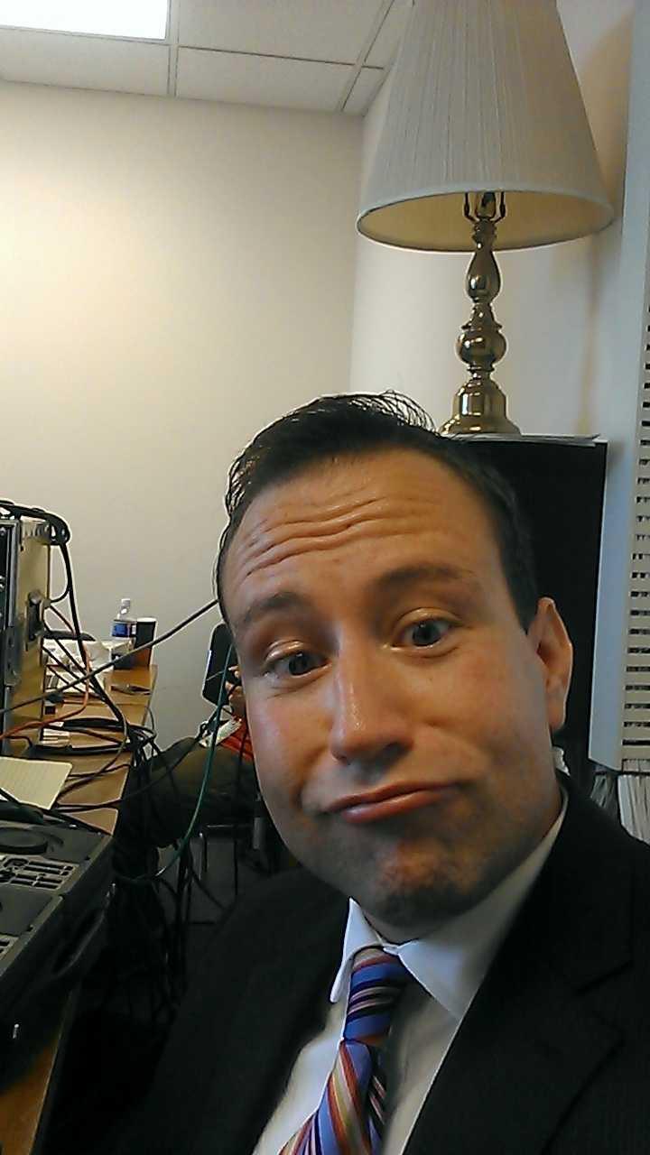 Reporter Matt McCutcheon makes fun of the duck face selfie... with a duck face selfie.