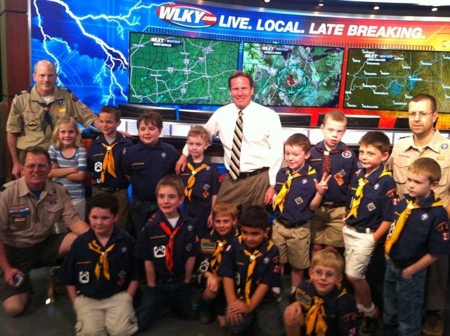 Jay talks weather with a group of scouts