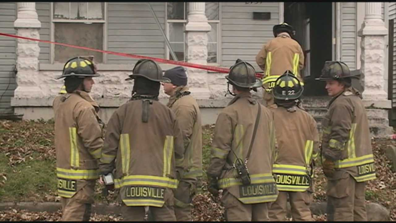 Arson investigators are looking into the cause of a fire in Louisville's west end Monday night.