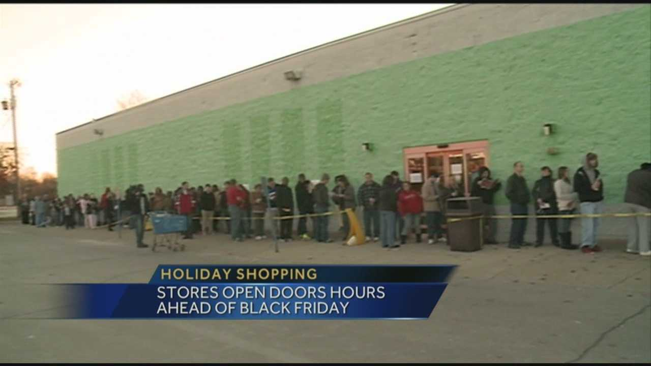 Instead of waiting for Black Friday deals, some shoppers headed out on Thanksgiving afternoon to find holiday deals.