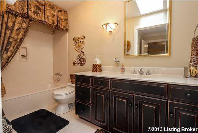Each en-suite bathroom is equally large.