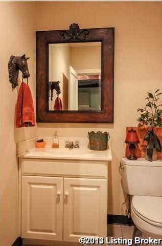 Bathroom in the entertainment suite.