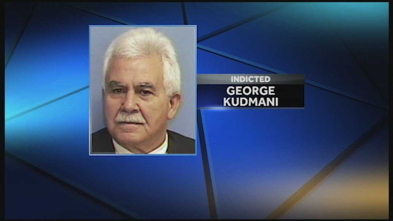 A Louisville doctor is accused of illegally selling prescription painkillers to his patients.
