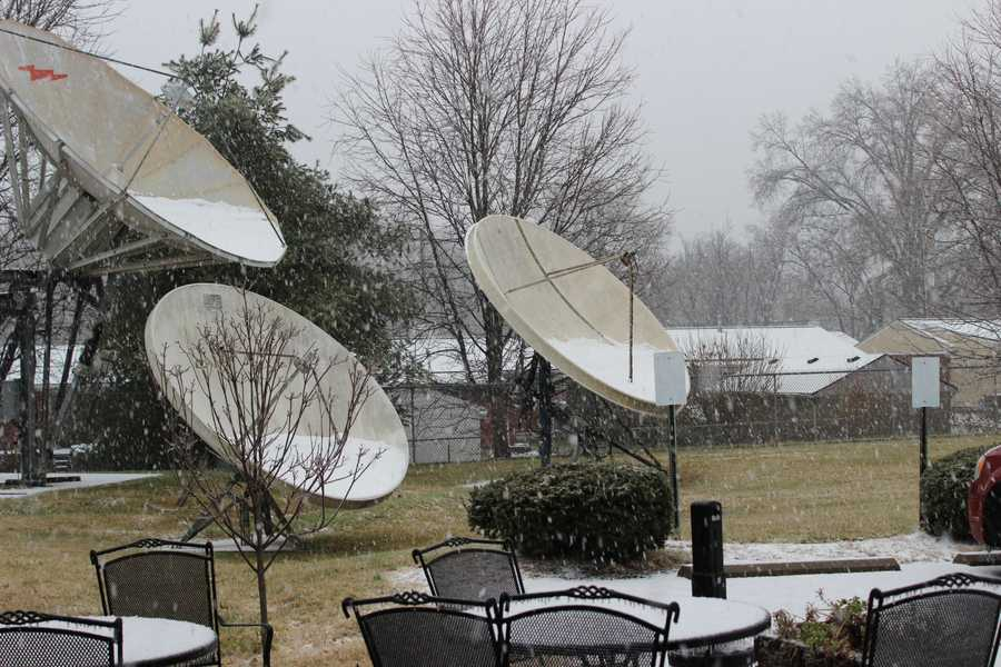 Snow begins falling at the WLKY Studios