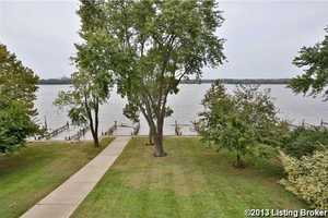 The use of two boat docks comes with the purchase of this condo.