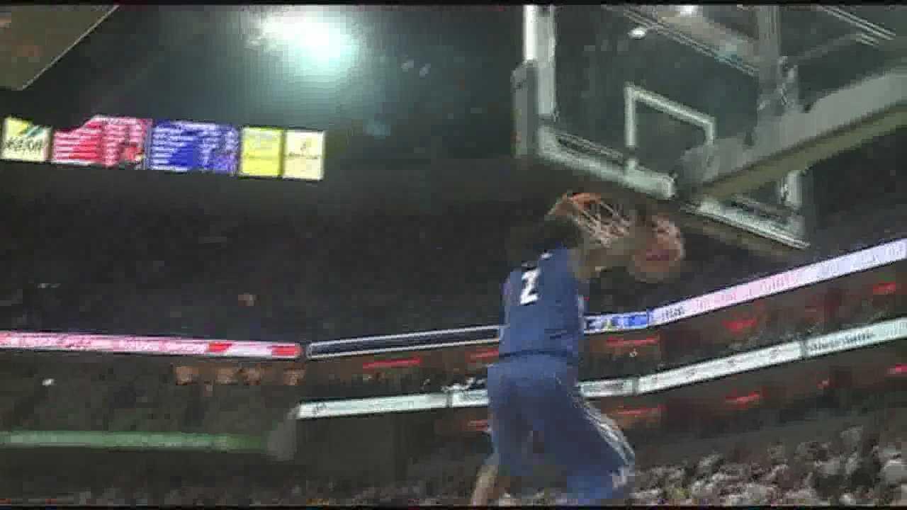 No. 24 Memphis defeats No. 12 Louisville Thursday night at the KFC Yum! Center.
