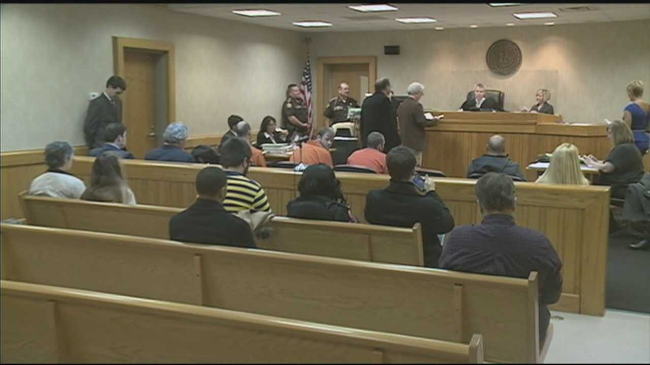Hodgenville city officials charged with corruption appear in court