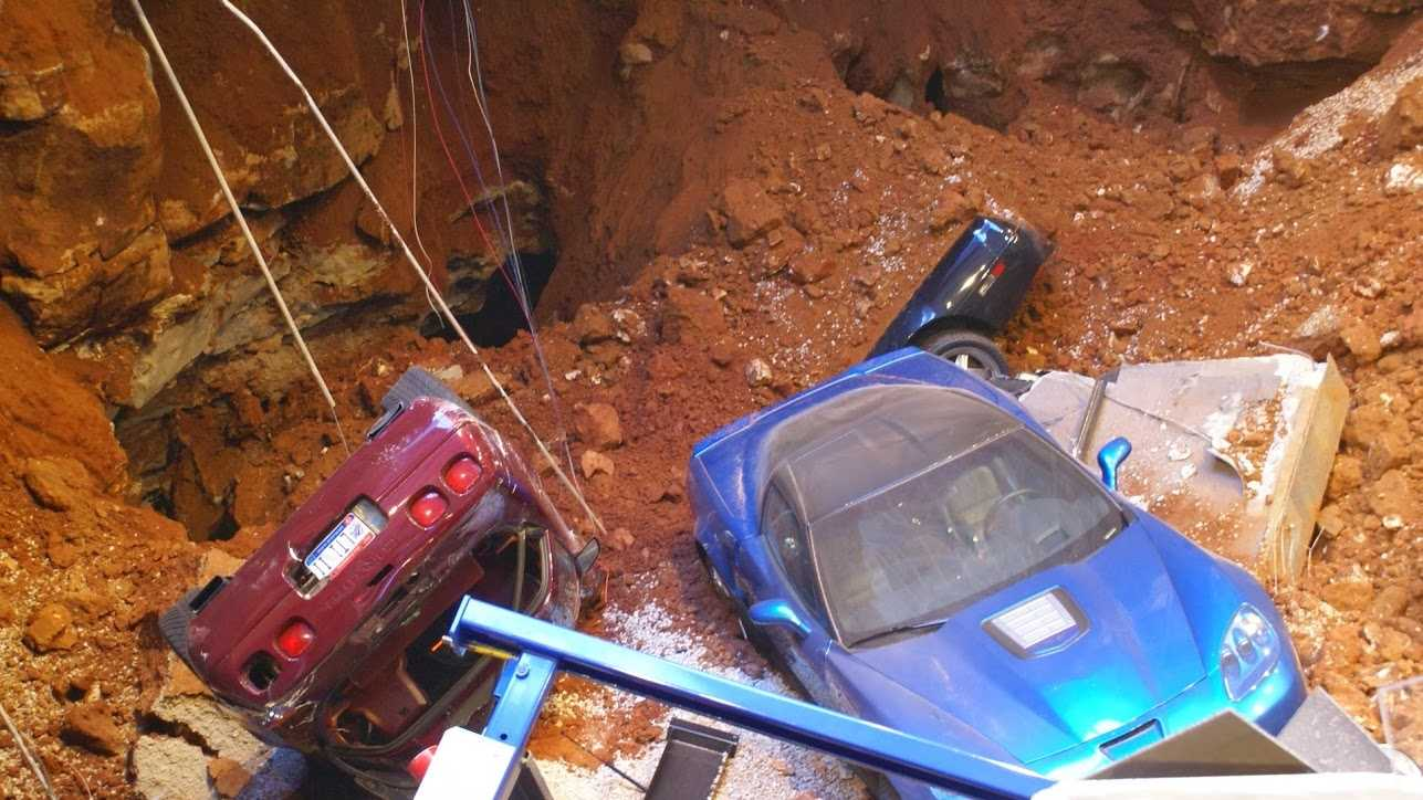 corvettes in a hole (14).JPG