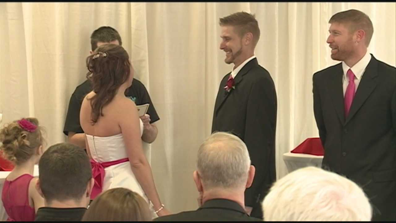 A Louisville couple tied the knot Friday at an area White Castle restaurant.