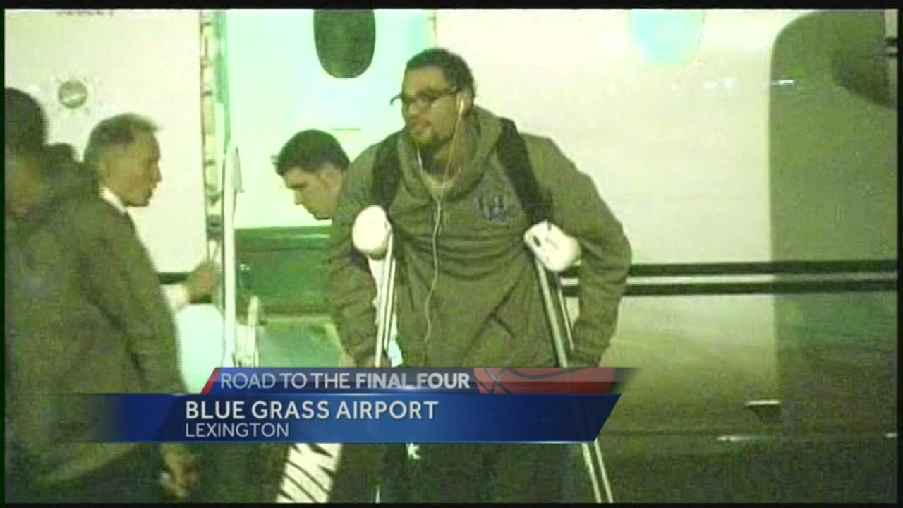 The Kentucky Wildcats were welcomed back to Lexington by cheering fans