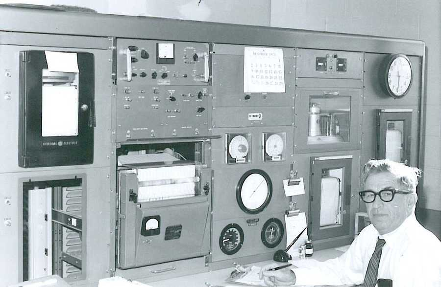 A look back at the National Weather Service Louisville office… This photo was taken in December of 1973. The meteorologist on duty is sitting in front of a large console with numerous meteorological instrument dials, before advanced radar technology was in use.