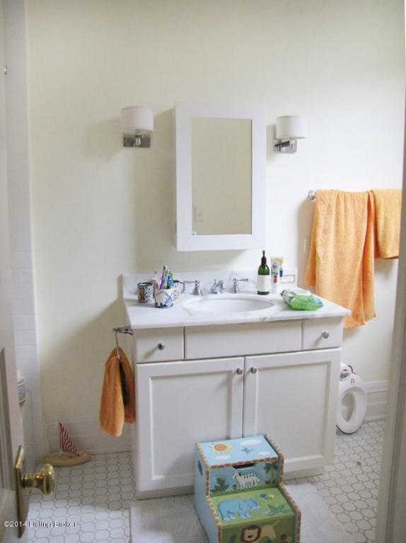 One of the six bathrooms.