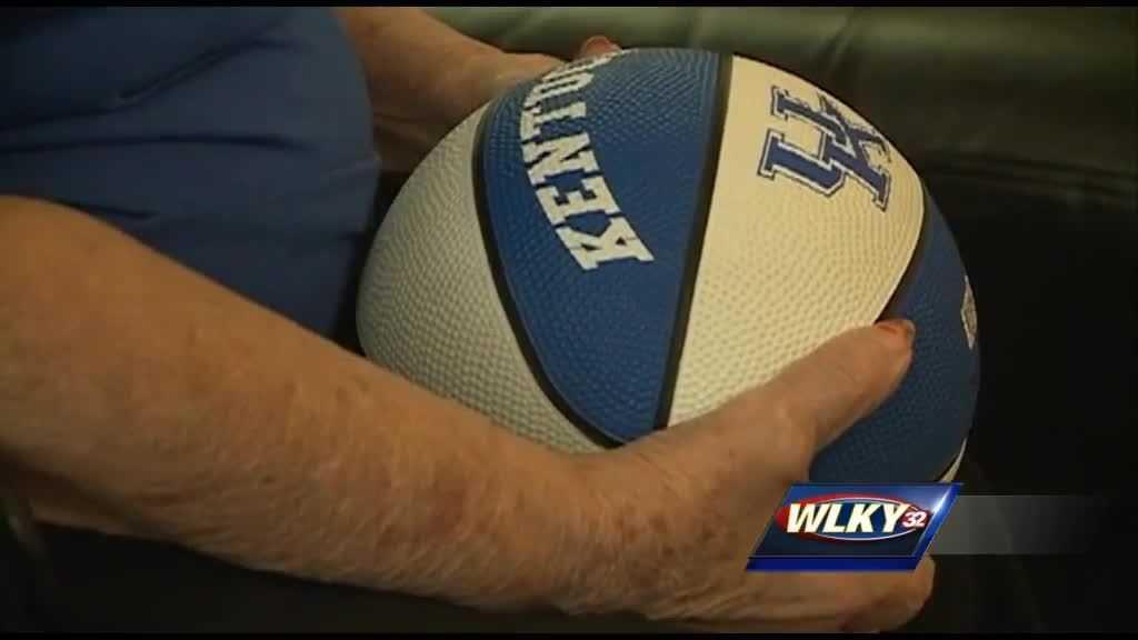 (img1)Seasoned Wildcat fans bleed blue ahead of national championship