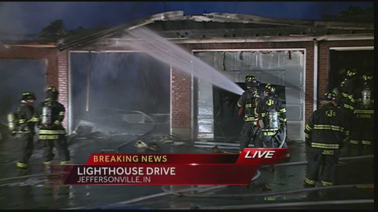 Crews are battling a fire at an apartment complex in Jeffersonville.