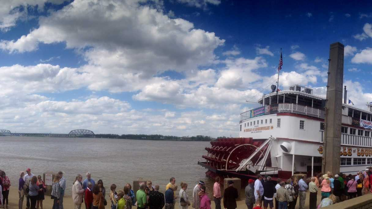 Great Steamboat Race panoramic