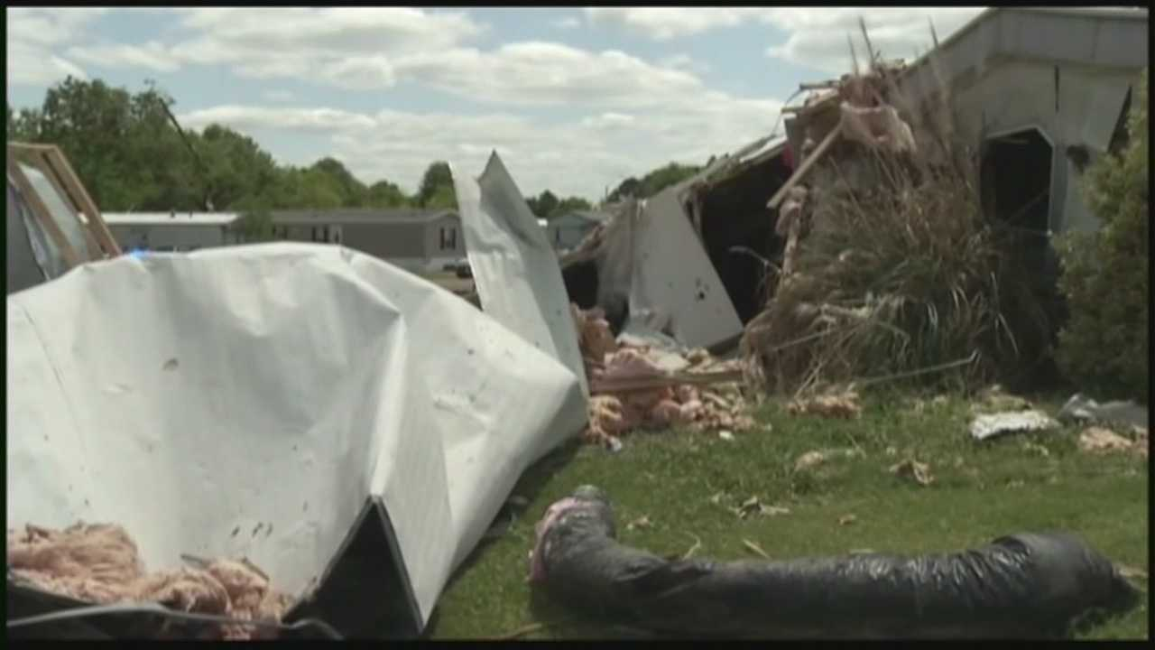 Red Cross volunteers to help Mississippi tornado victims