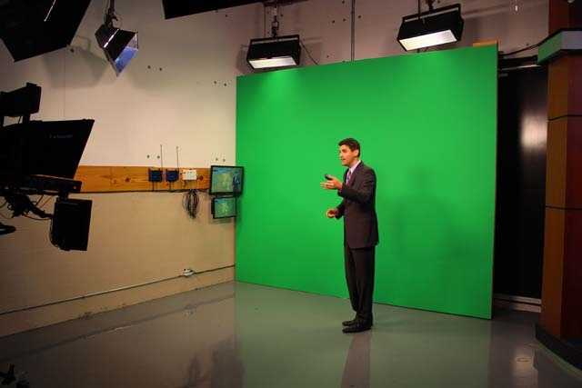 Matt updates the audience on the morning weather conditions.