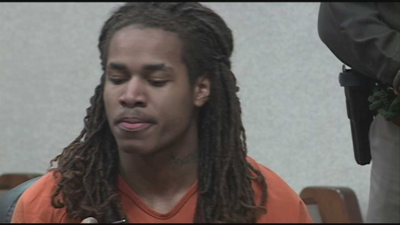 A man accused of killing a grocery store employee last fall rejects a plea deal in a separate case.