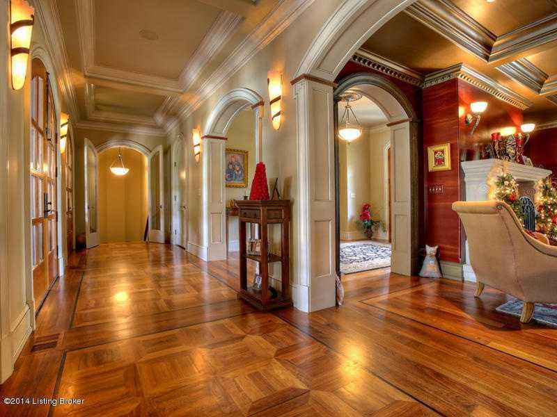 Hallways of the second floor.
