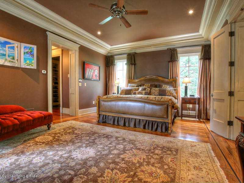Master bedroom boasts a large walk-in closet.