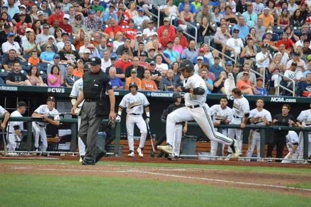 Vandy scores 2 in the 2nd on a wild pitch
