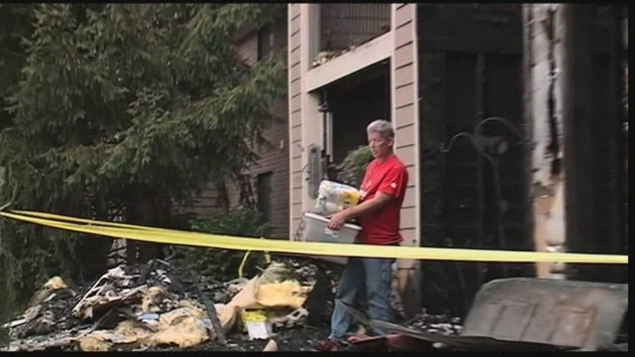 Two men are being called heroes after they alerted neighbors to an apartment complex fire.