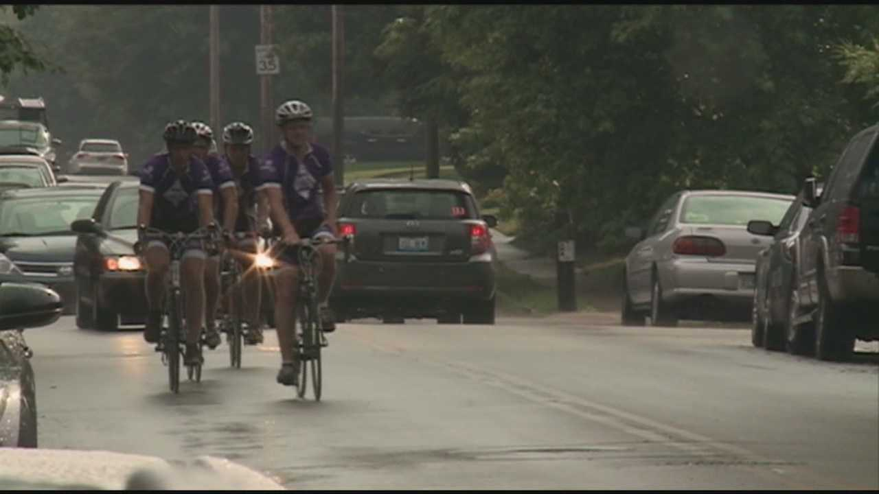 A group of Western Kentucky fraternity brothers is biking cross country to raise money for Alzheimer's research.